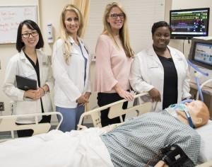 Inaugural Adult Gerontology Akutpflege Nurse Practitioner Class Perfekt in Zertifizierungsprüfungen